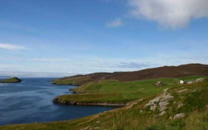 BP shuts down small oil leak off Shetlands
