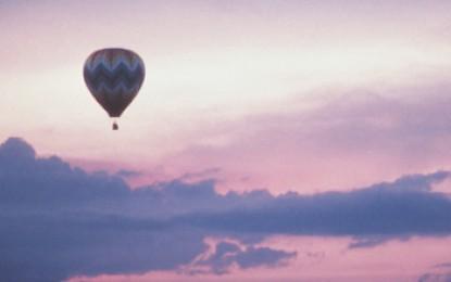 Hot air balloon hits pylon