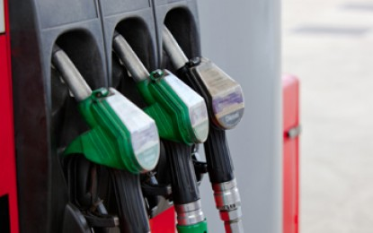 More cars on road but drivers buying less fuel