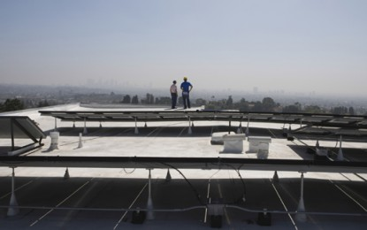 Government turning roofs into sun power plants