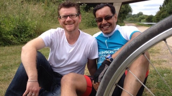 Two eds and a bike... PEi Editor Kelvin Ross with ELN Editor Sumit Bose