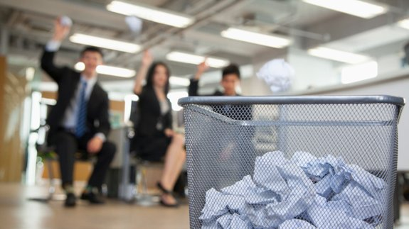 Energy live news energy made easy ditching desk bins crushes office waste by 60 - Basketball waste paper basket ...