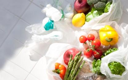 EU votes to curb plastic bag use