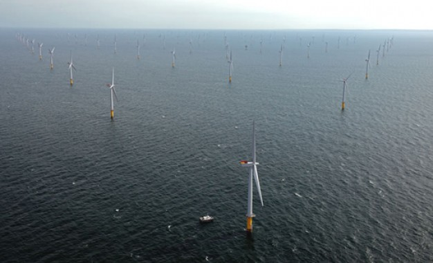 Green bank snaps up offshore wind stake