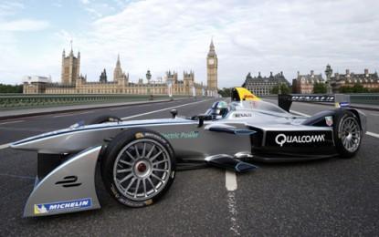 Formula E picks eight manufacturers for second season