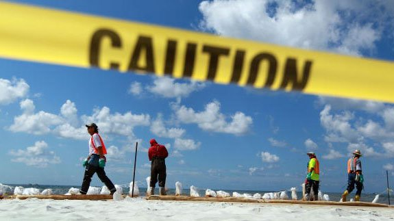 Gulf of Mexico oil spill clean-up.  Image: Joe Raedle/ Thinkstock