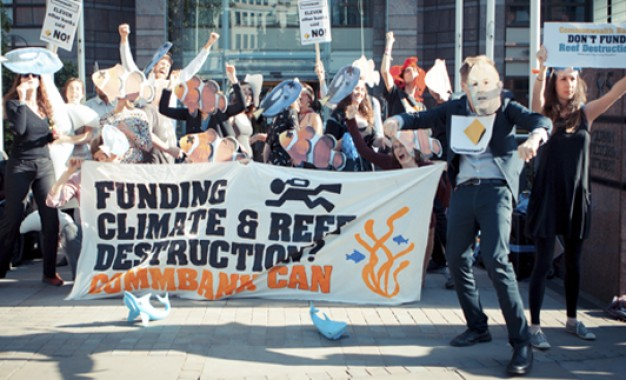 Anti-coal protesters target Commonwealth Bank