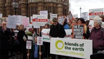 Anti-fracking protestors. Image: ELN
