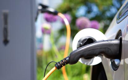 UK extends plug-in car grant scheme