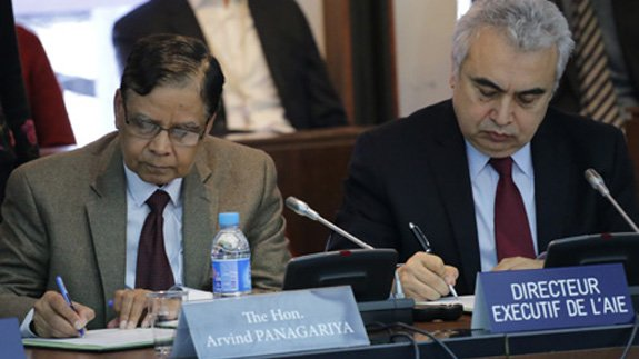 Arvind Panagariya, Vice Chairman of the National Institution for the Transformation of India (NITI) and IEA's Executive Director Fatih Birol. Image: IEA