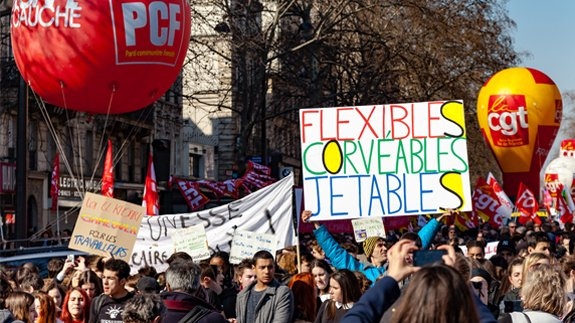 French unions and students protesting against labor reforms. Image: Guillaume Louyot Onickz Artworks/Shutterstock