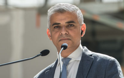 London mayor urges broadcasters to give updates on air quality