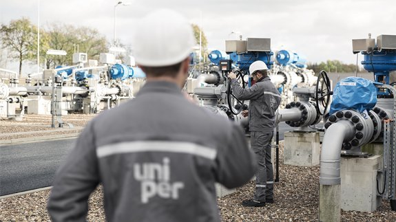 Fortum launches $9.5B bid for Uniper after securing E.ON stake