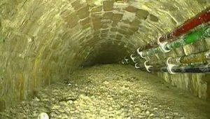 'Concreteberg' weighing 105 tonnes blocks London sewer