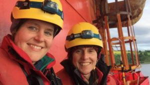 Greenpeace activists climb back on board BP oil rig