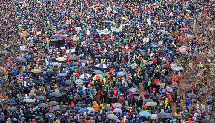 'Nothing is being done' - Thousands join Greta Thunberg in England climate march