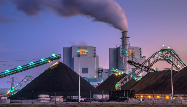 Biggest shift from coal in 30 years sees carbon dioxide emissions plunge