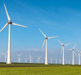 SSE pledges to spend almost £4m every day on low carbon projects in the UK and Ireland