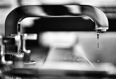 Time to tighten the taps on water retailers
