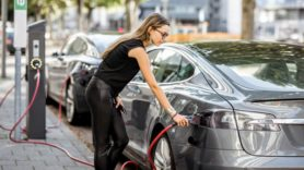 Put customers in driving seat of EV charging scheme designs, says Citizens Advice