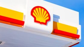 Shell links $10bn revolving credit facility to carbon footprint target